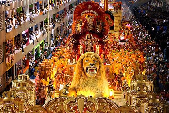 Декорации льва на бразильском карнавале